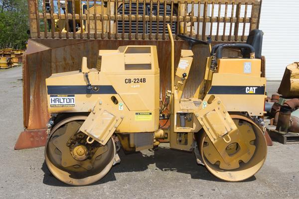 CB 224B Compactor