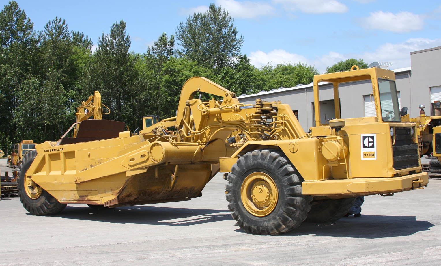 613B Motor Scraper